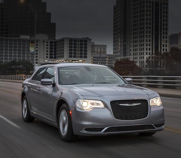 2018 Chrysler 300 Luxury Sedan
