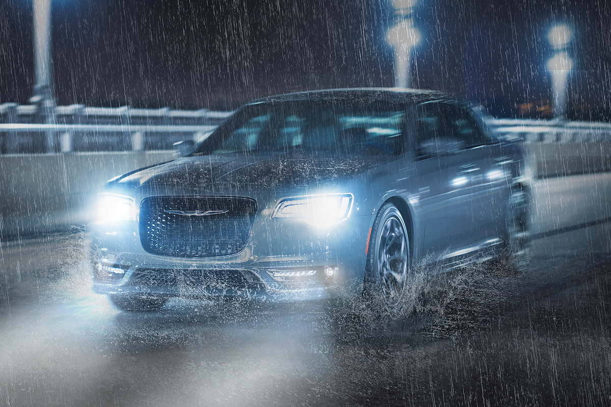 2019 Chrysler 300 driving in the rain with all-wheel drive