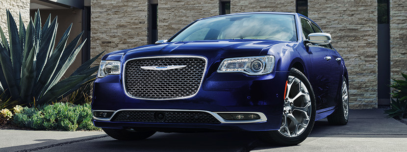 2019 Chrysler 300 Luxury Sedan | Chrysler Canada