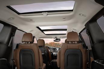 2018 chrysler minivan. plain chrysler 2018 chrysler pacifica technology cabin colours on chrysler minivan