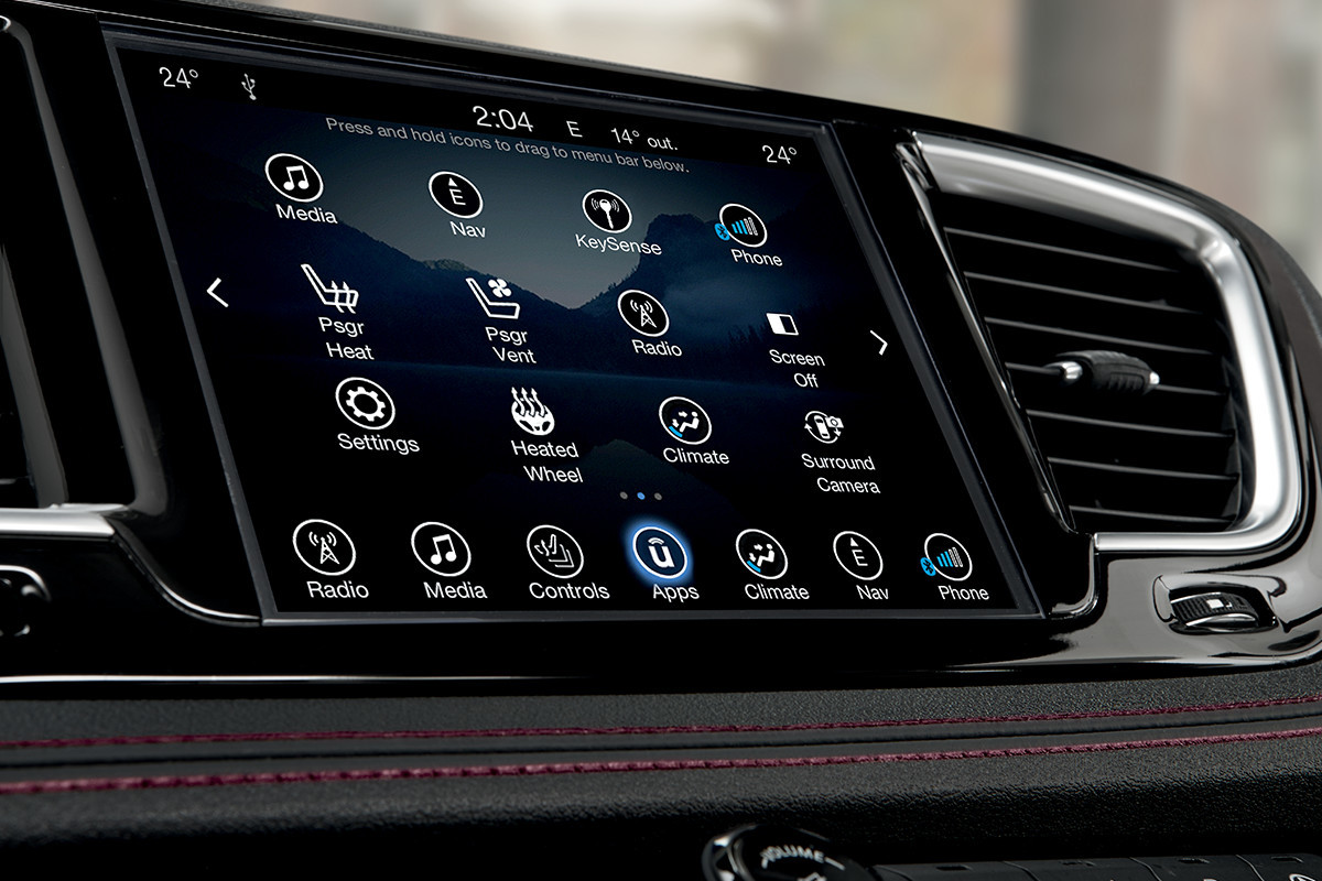 2018 Chrysler Pacifica Technology Uconnect Touchscreen