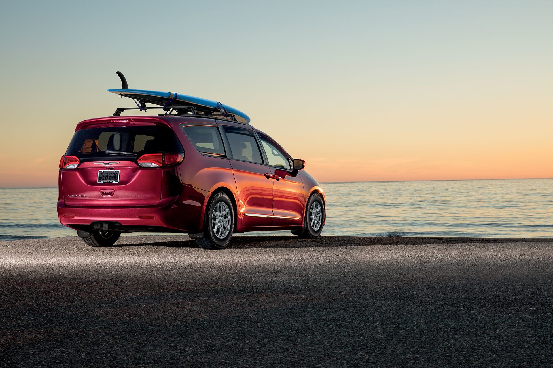 2018 Chrysler Pacifica Exterior Beach Lifestyle