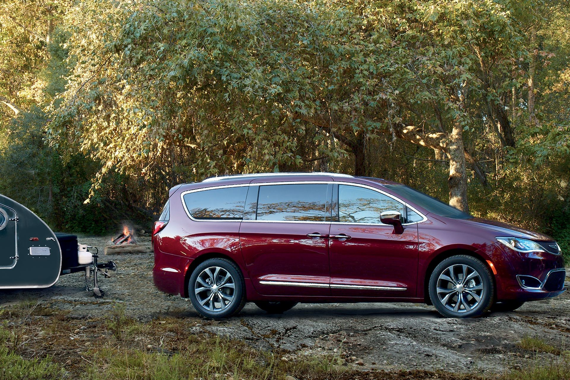 2018 Chrysler Pacifica Exterior Camping Lifestyle