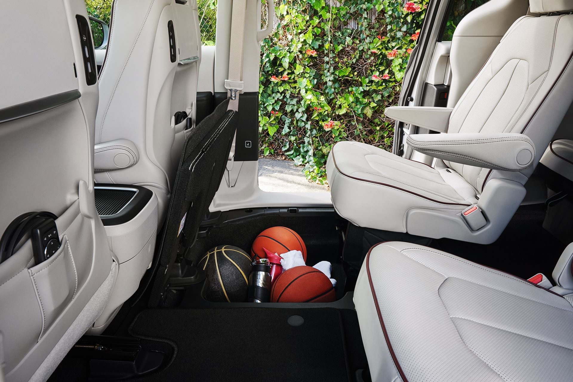 2018 Chrysler Pacifica Interior Storage