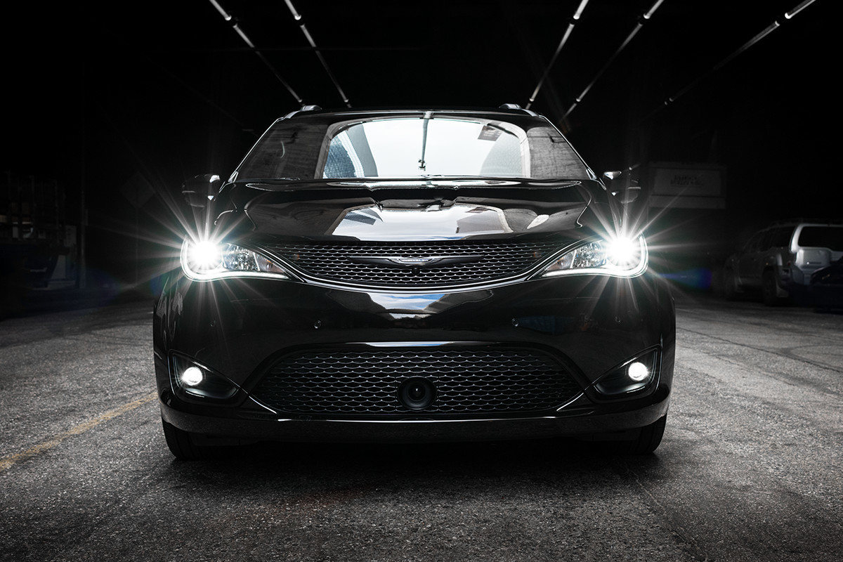 2019 Chrysler Pacifica black exterior with LED lamps