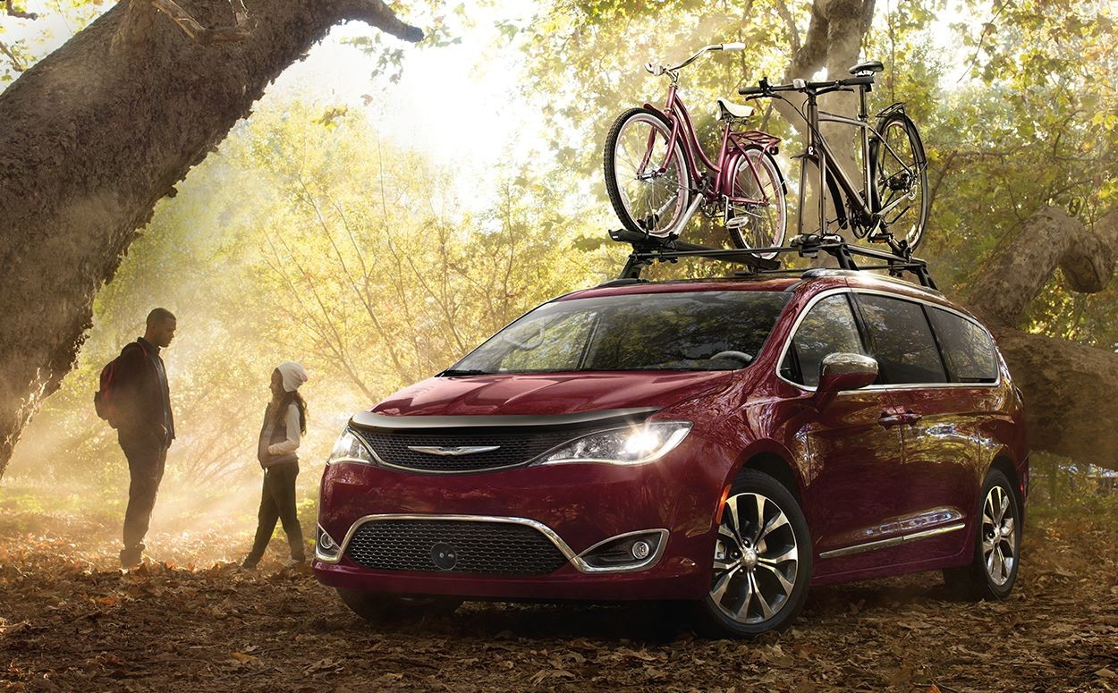 2019 Chrysler Pacifica bike rack on the rooftop