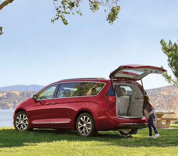 2019 Chrysler Pacifica red exterior with open liftgate