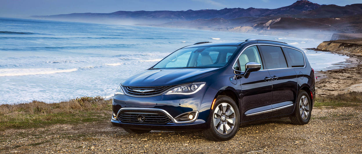 Chrysler Pacifica Hybrid 2018 Exterior Jazz Blue Pearl