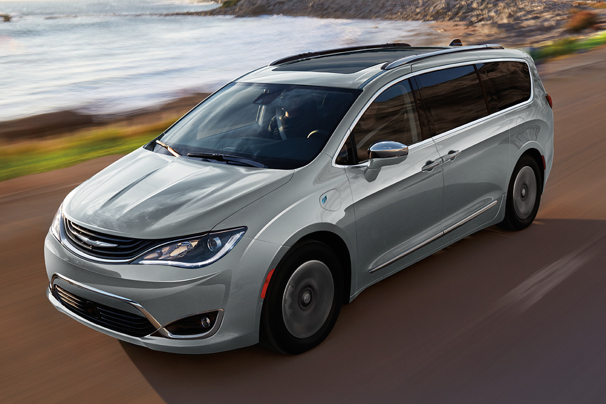 19MY Chrysler Pacifica Hybrid driving by the ocean
