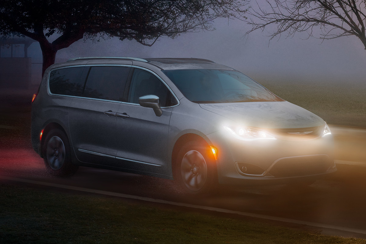 2019 Chrysler Pacifica Hybrid with LED headlamps driving in fog