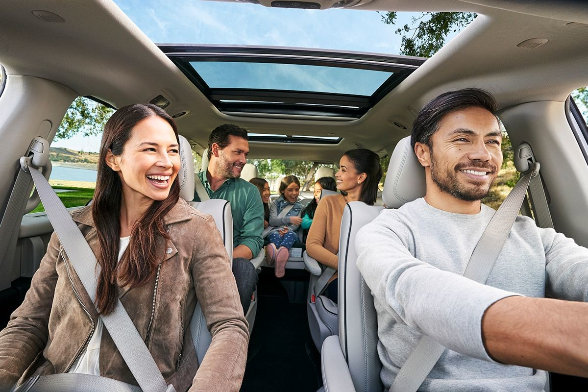2019 Chrysler Pacifica Hybrid with 7 people seated