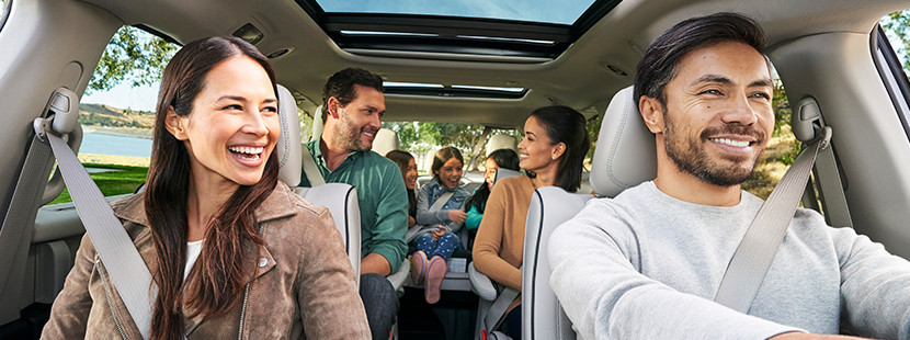 2019 Chrysler Pacifica Hybrid people smiling seated