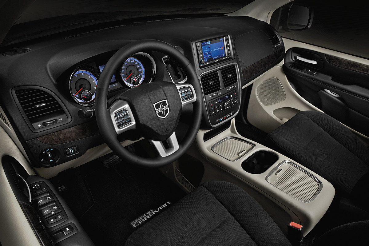 2019 Dodge Grand Caravan interior view of dashboard