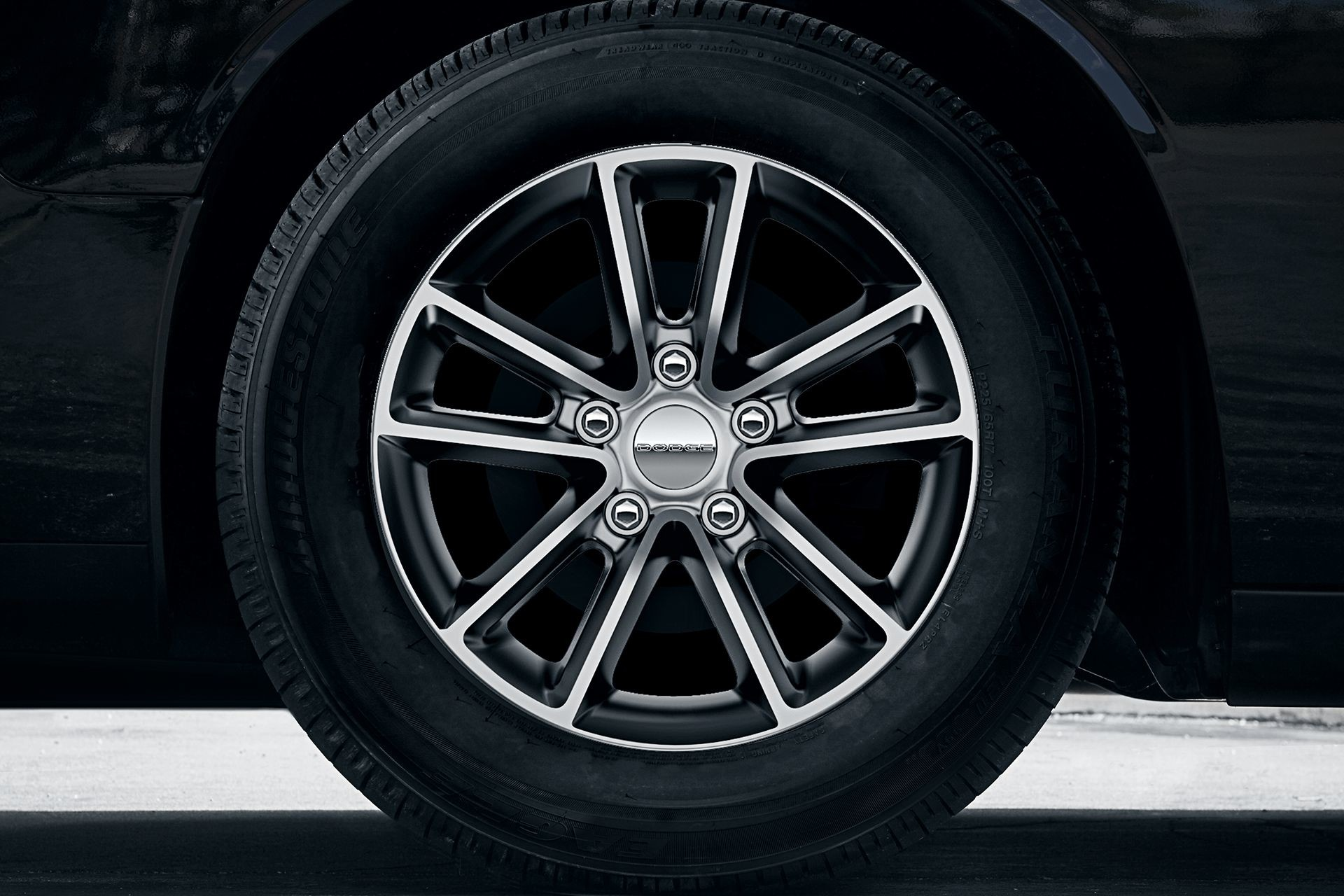 2019 Dodge Grand Caravan exterior view of wheel