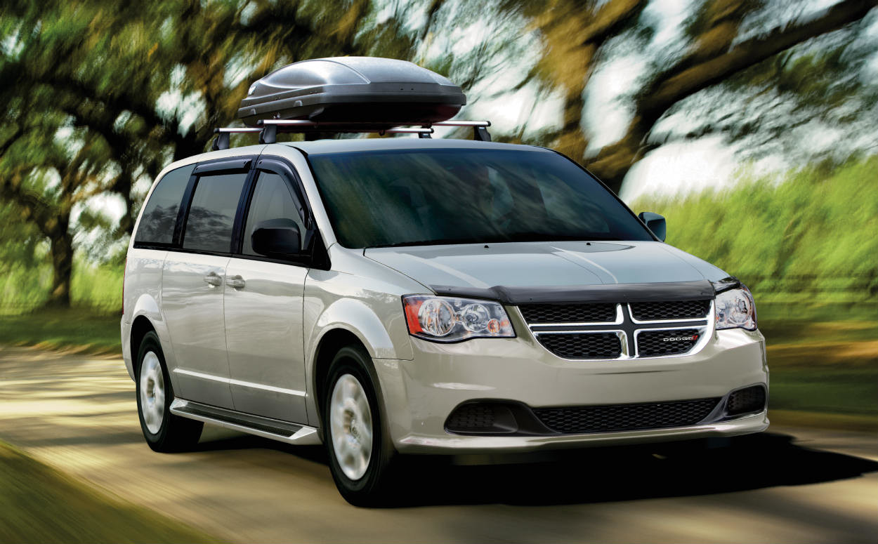2019 Dodge Grand Caravan driving with Mopar roof rack