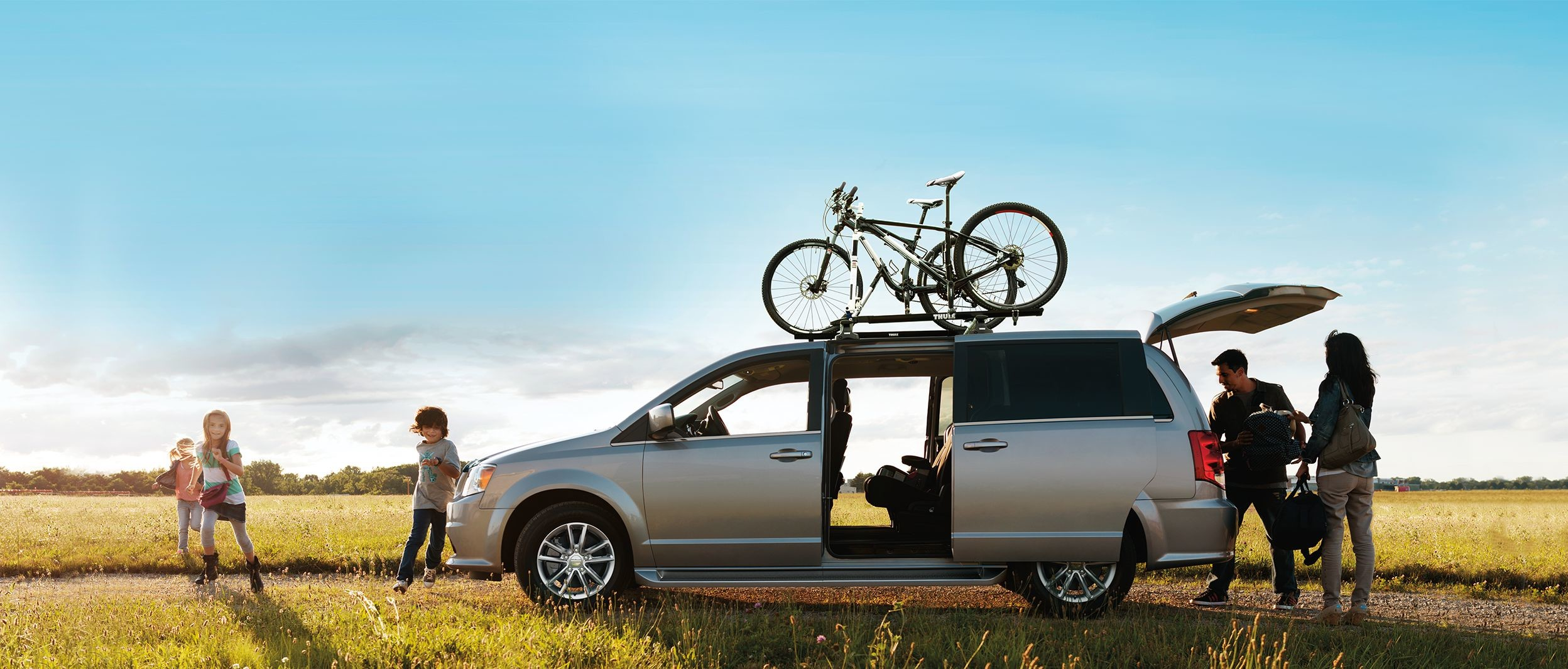 2019 Dodge Grand Caravan sideview view in Silver