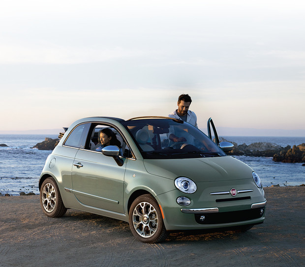 2017 Fiat 500 hero desktop reach for the sky