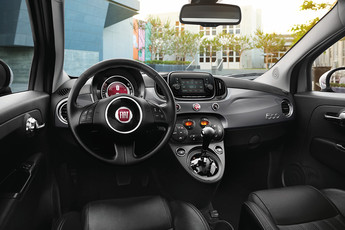 https://medias.fcacanada.ca//specs/fiat/500/year-2018/media/images/feature/2018-fiat-500-front-interior_e12078e0775e2ec87eed3d67273071c-tablet.jpg