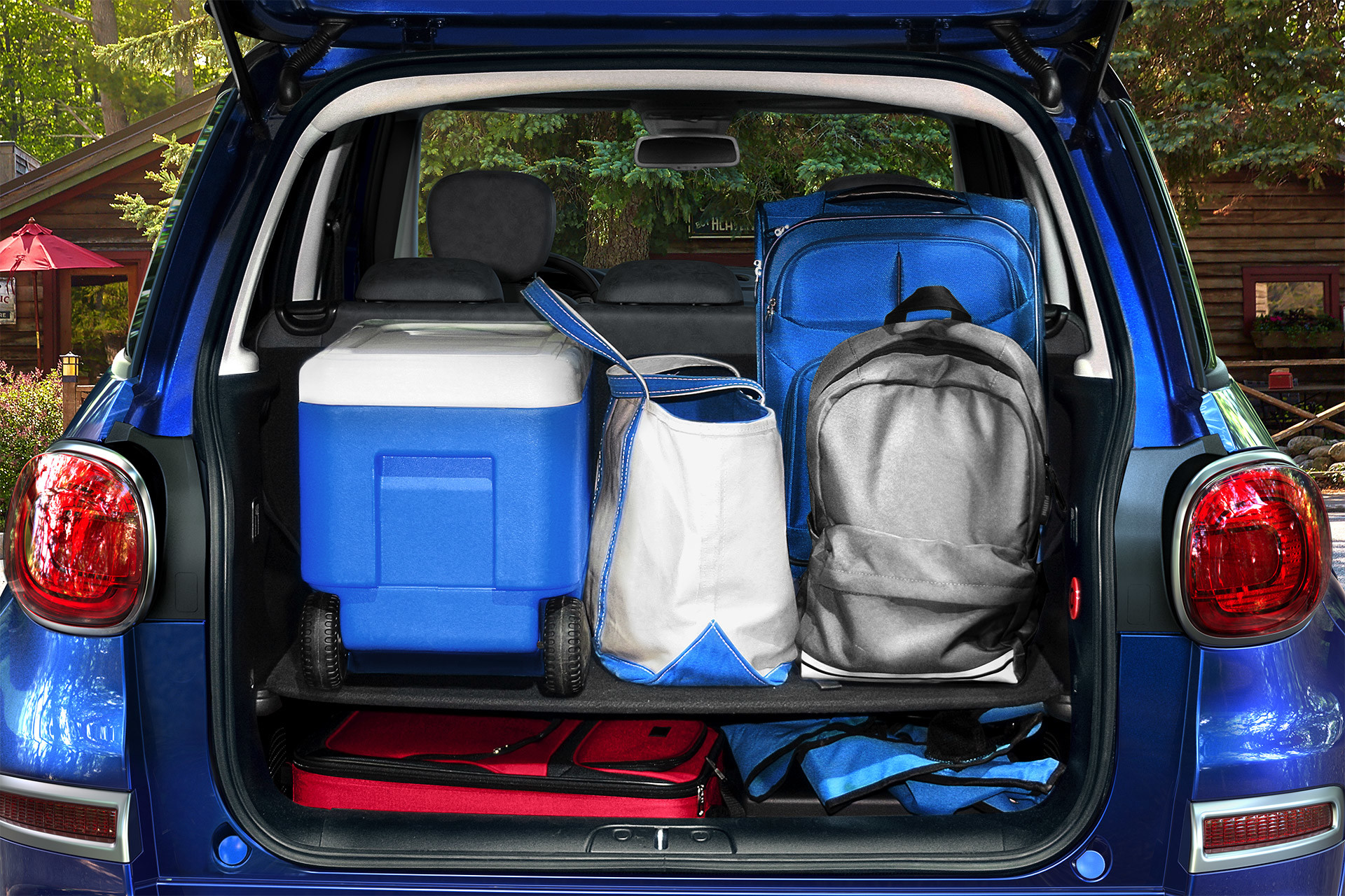 2019 Fiat 500L view with trunk open, filled with cargo