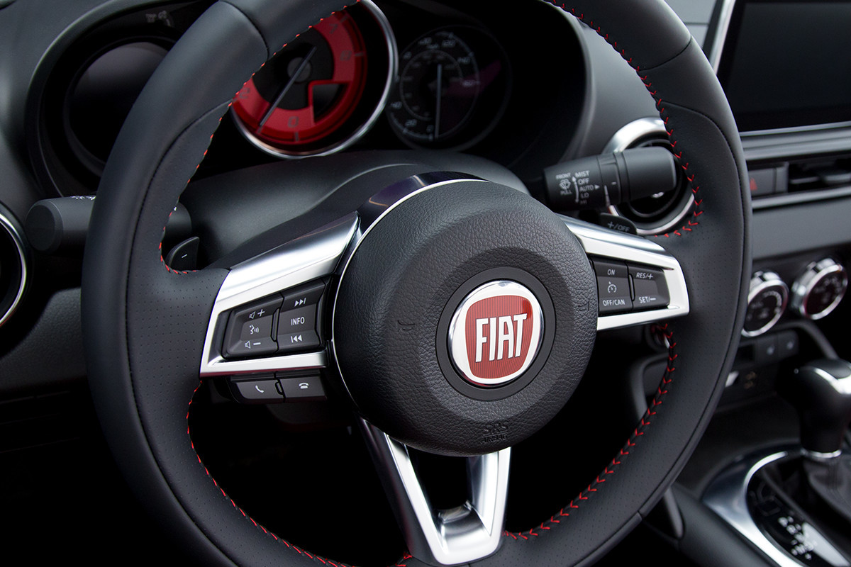 2018 Fiat 124 Spider Roadster leather wrapped steering wheel
