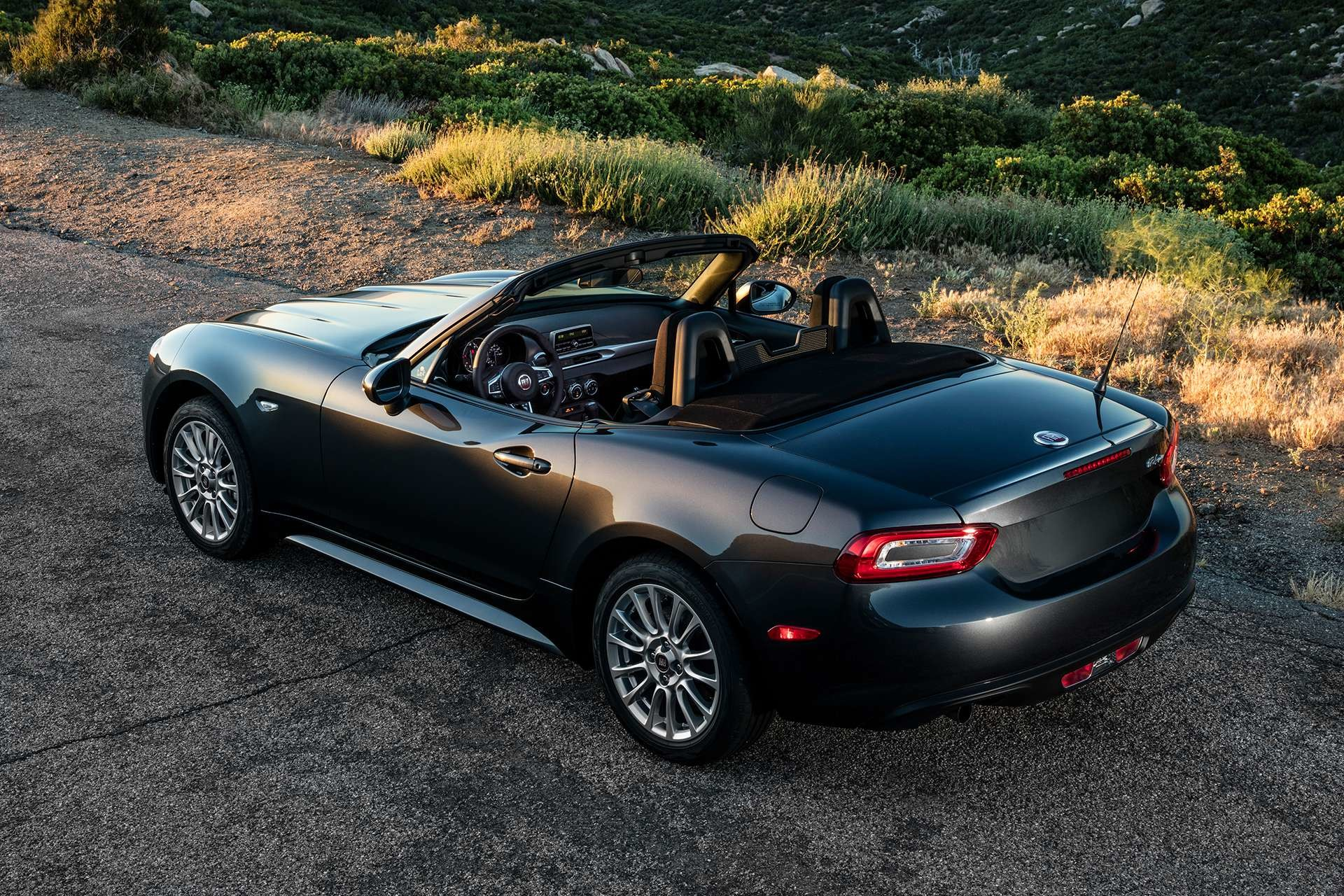 2018 Fiat 124 Spider Roadster gallery exterior picture perfect