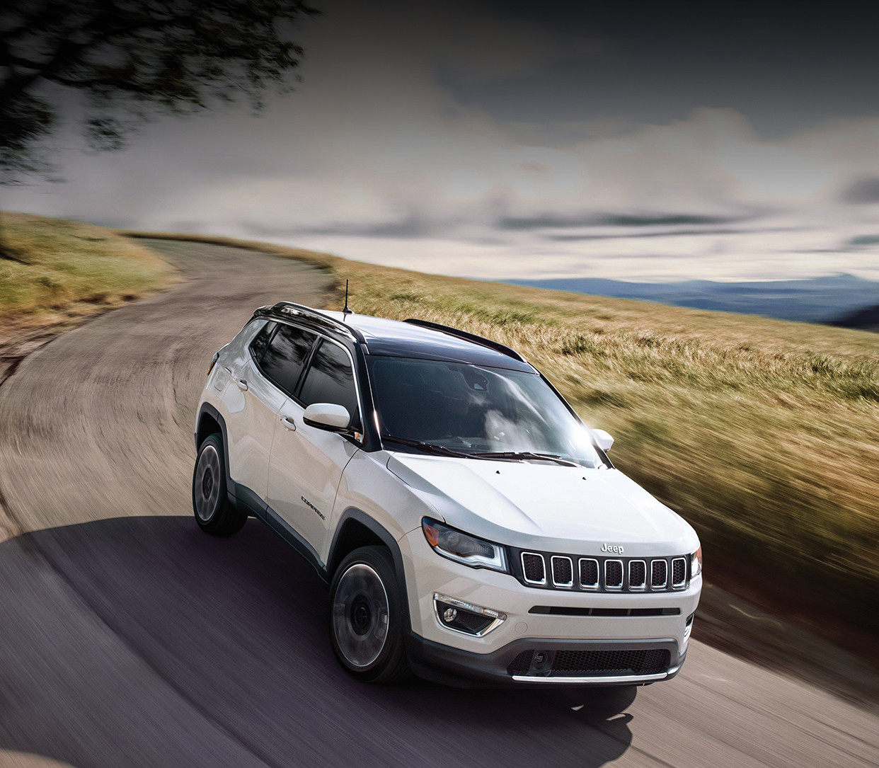 2018 Jeep Compass red exterior