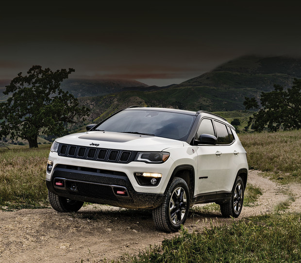 2018 Jeep Compass white exterior