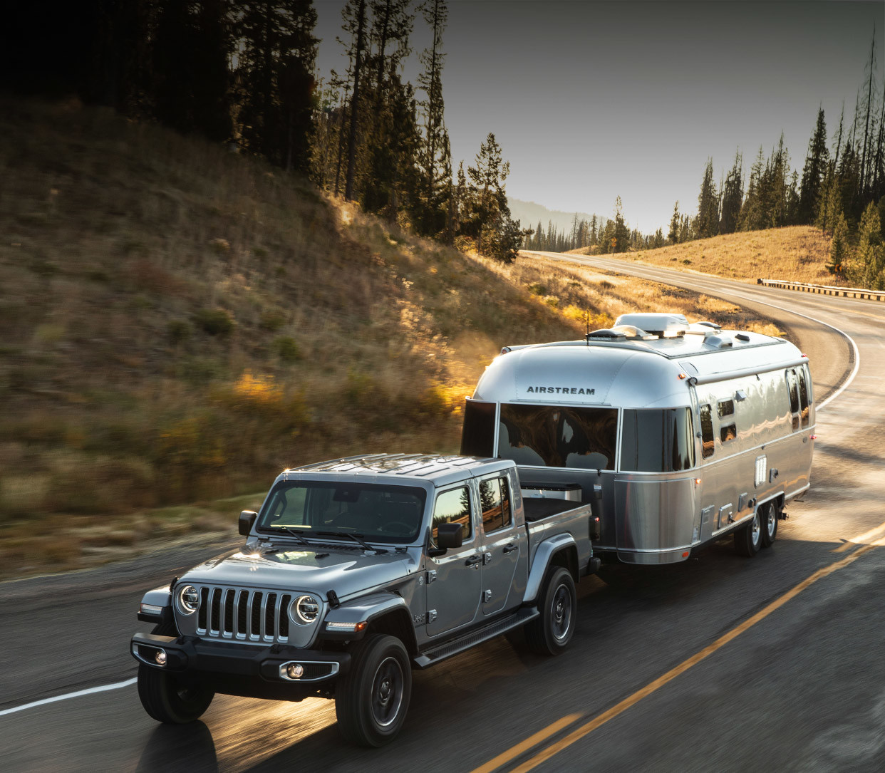 Jeep Gladiator 2016 >> All New 2020 Jeep Gladiator It S Finally Here Jeep Canada