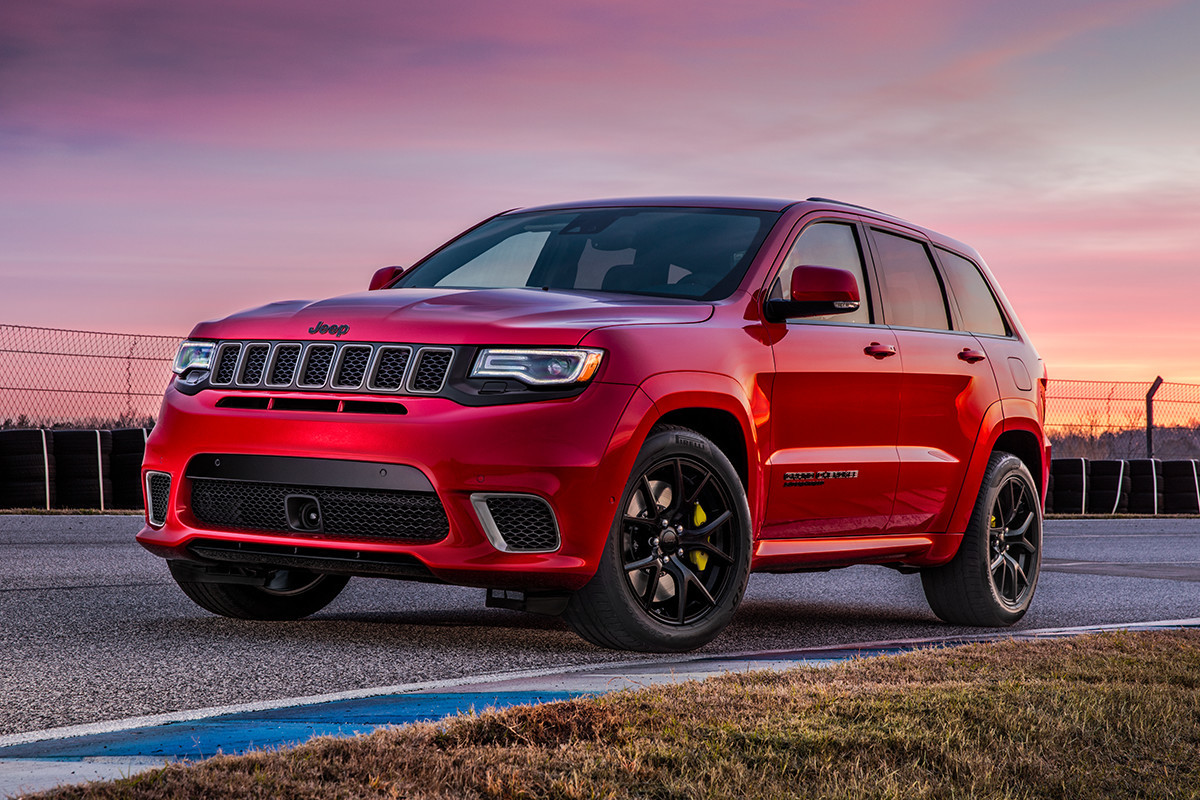 2018 Jeep Grand Cherokee Trackhawk 7 slot upper front grille