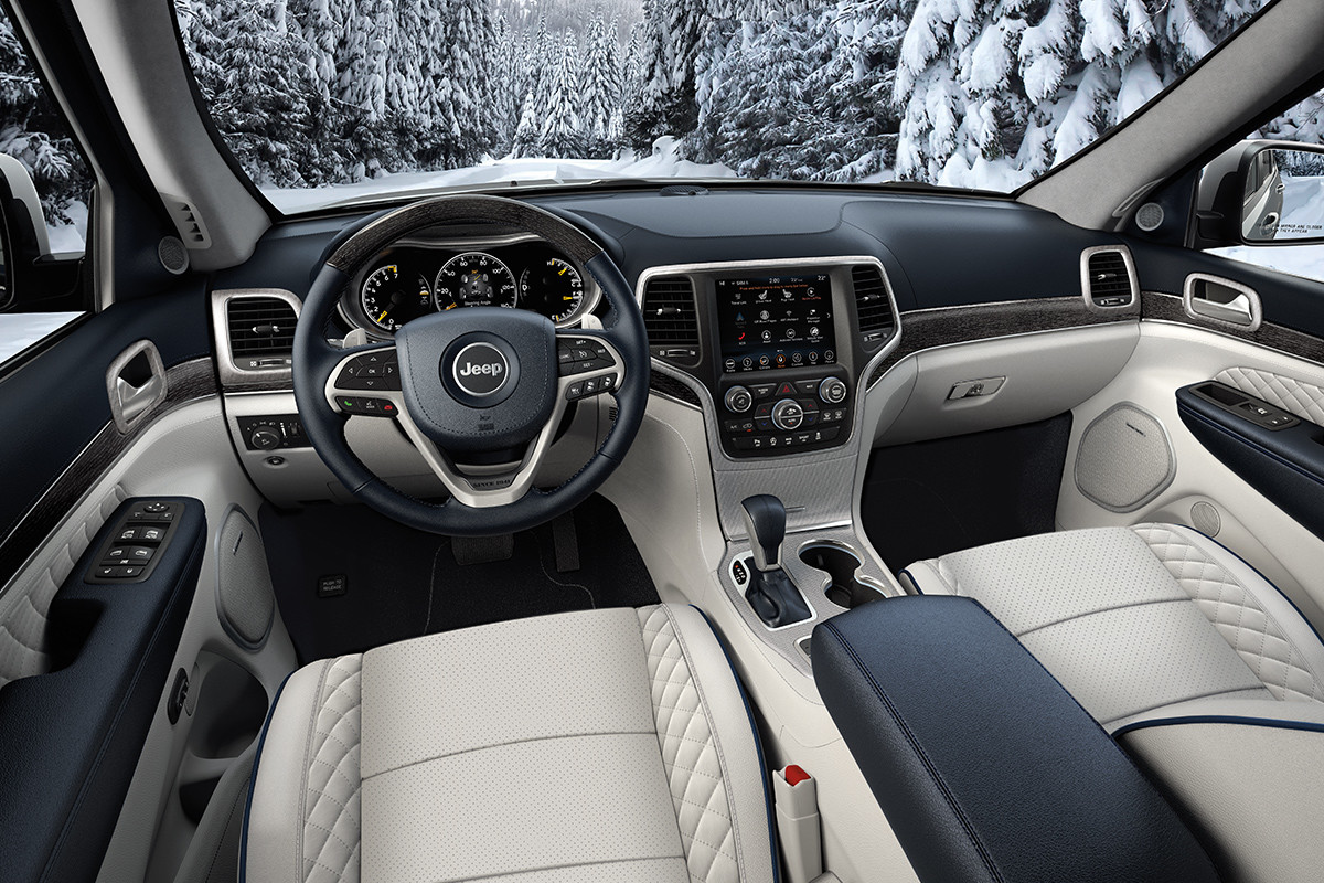 2018 Jeep Grand Cherokee luxurious cabin experience