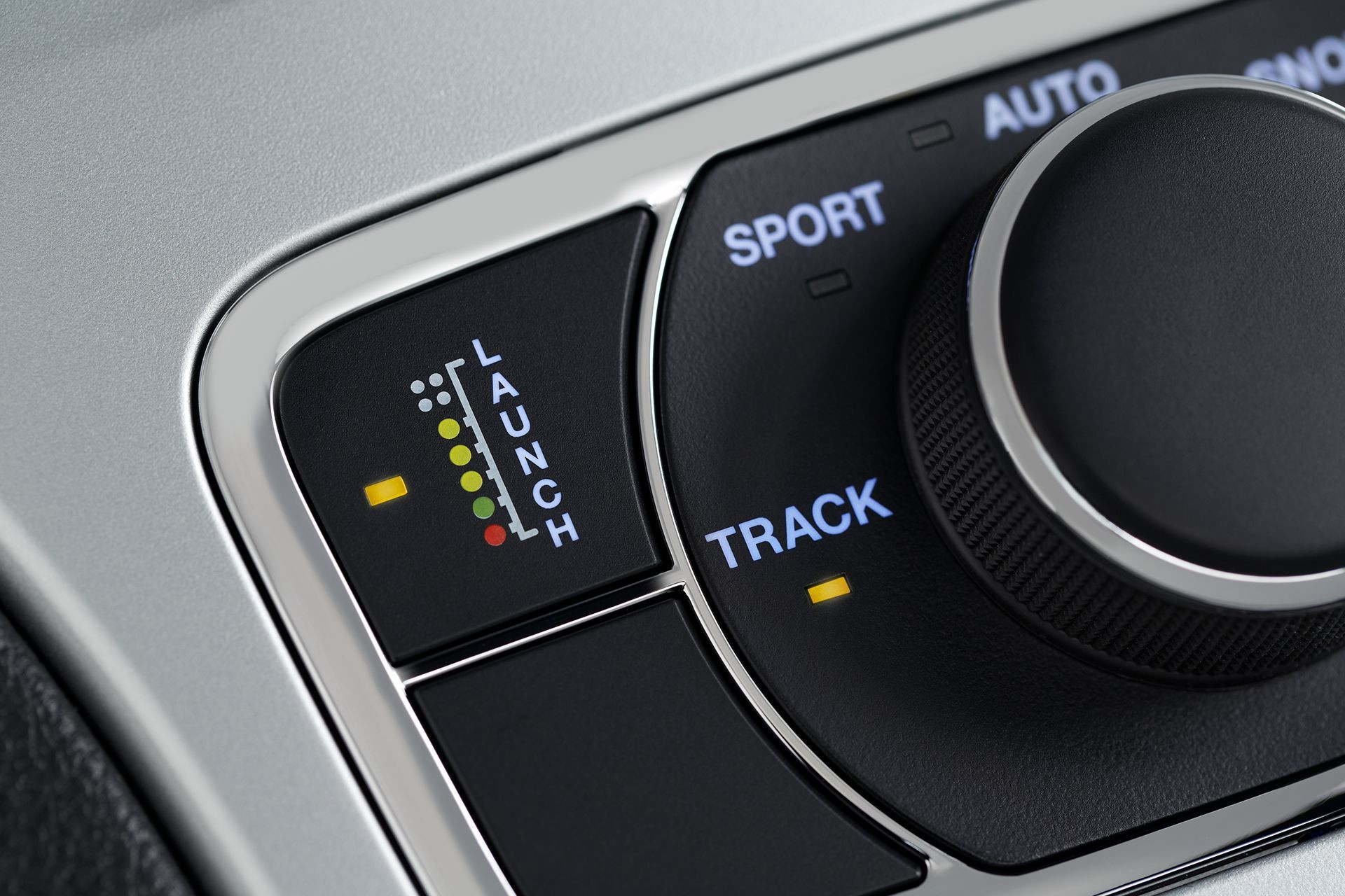 2018 Jeep Grand Cherokee SUV dial controlled performance