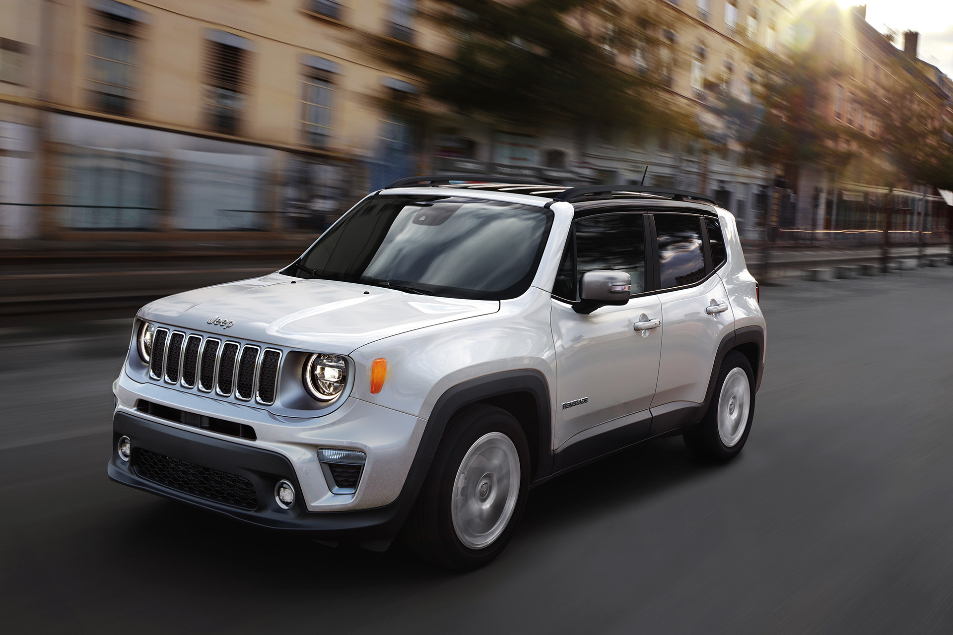 2019 Jeep Renegade exterior white parked