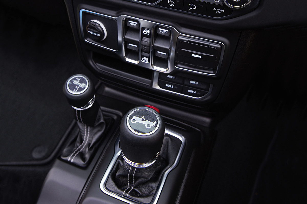 2019 Jeep Wrangler interior showing centre console