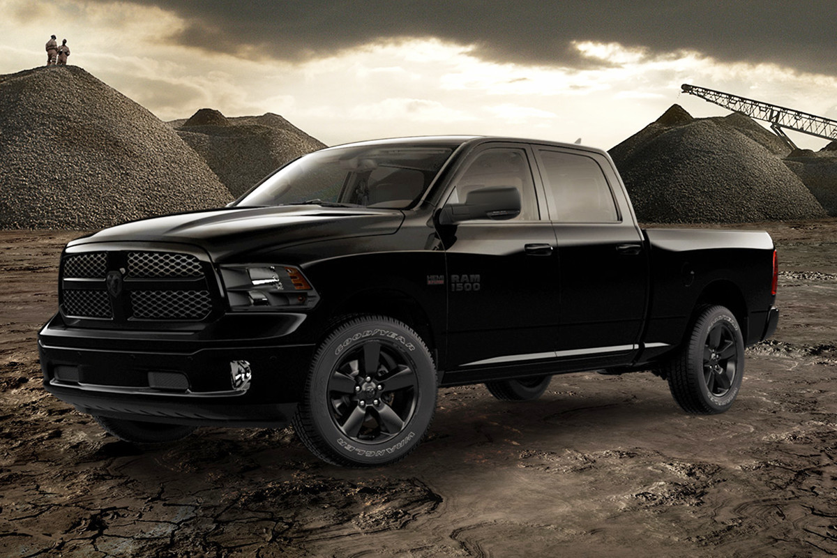 2018 RAM 1500 buzz models big horn black appearance package