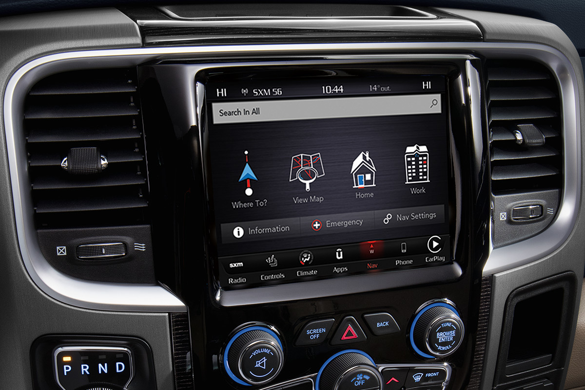 2018 RAM 1500 UConnect multimedia centres