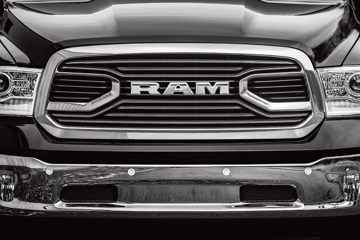 2018 RAM 1500 safety parking assistance technology