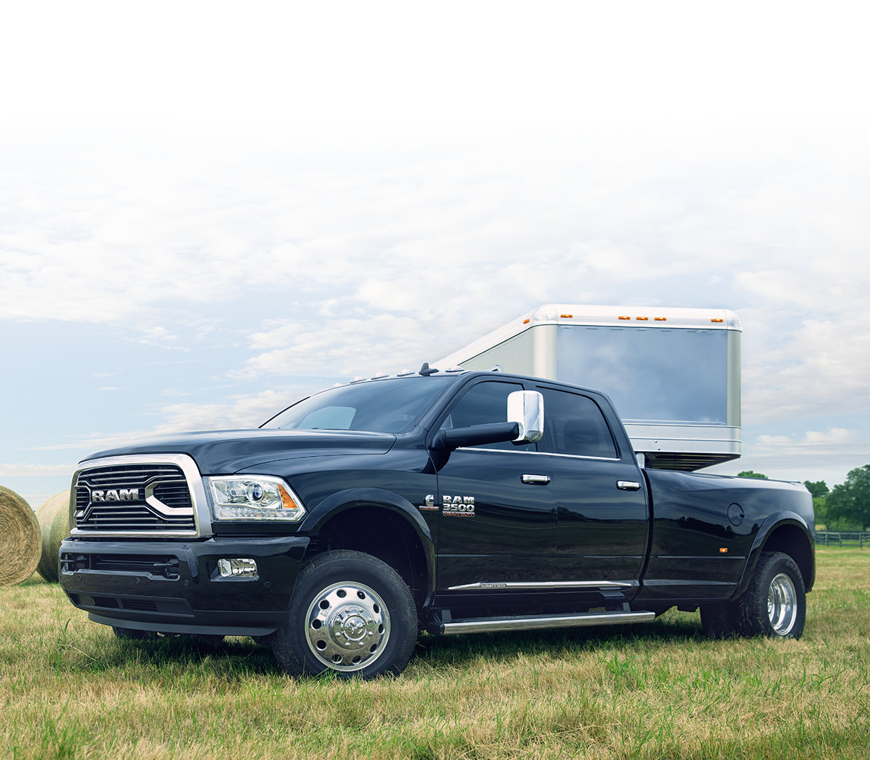 2018 RAM 3500 truck towing side view