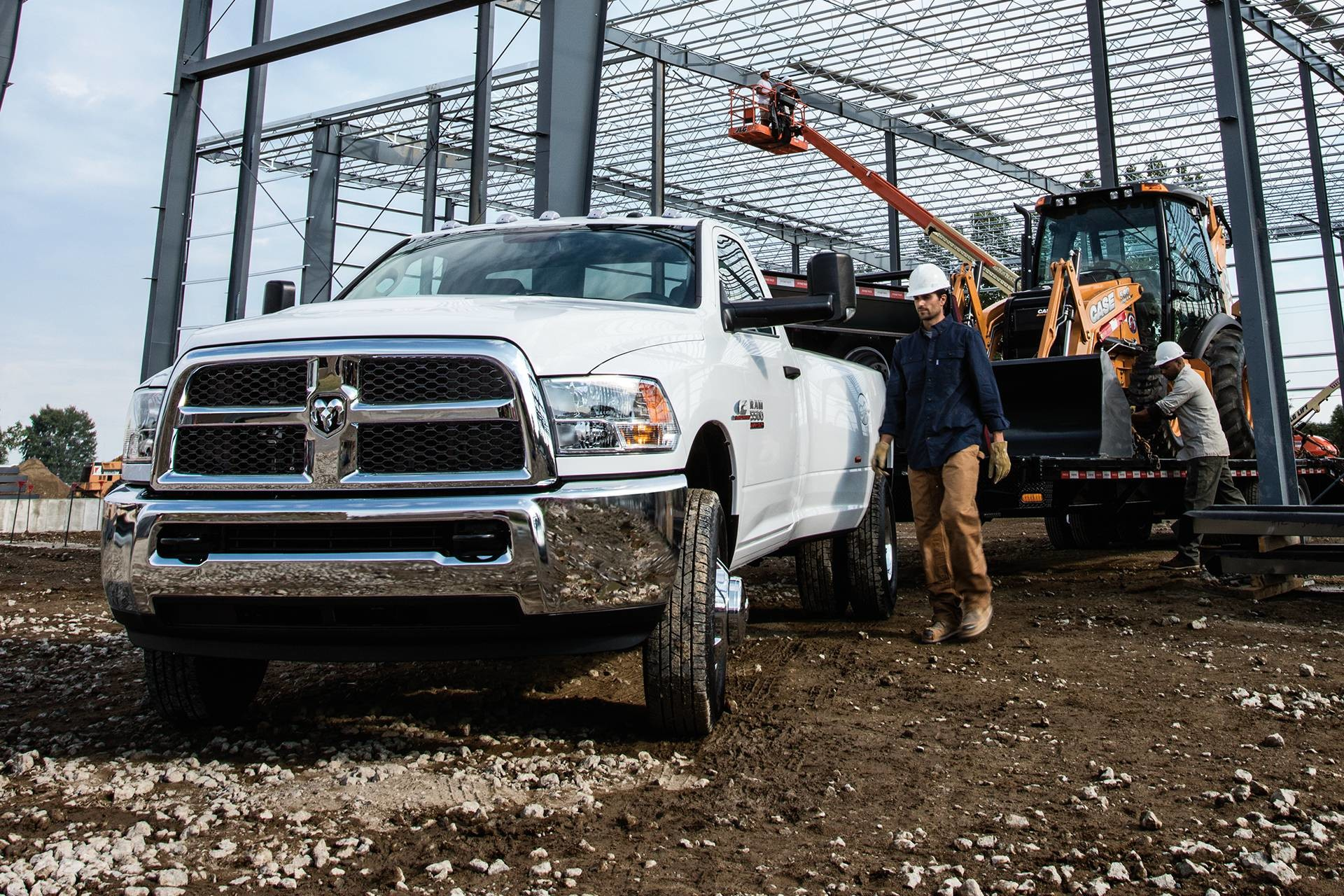 2018 RAM Chassis Cab 30,600 lb towing capacity