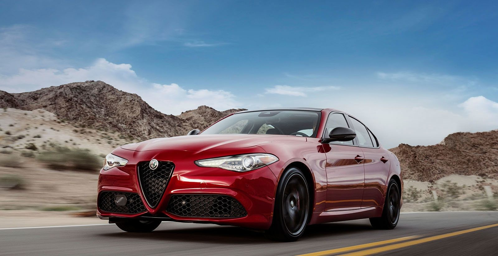 2018 Alfa Romeo Giulia Luxury Sport Sedan