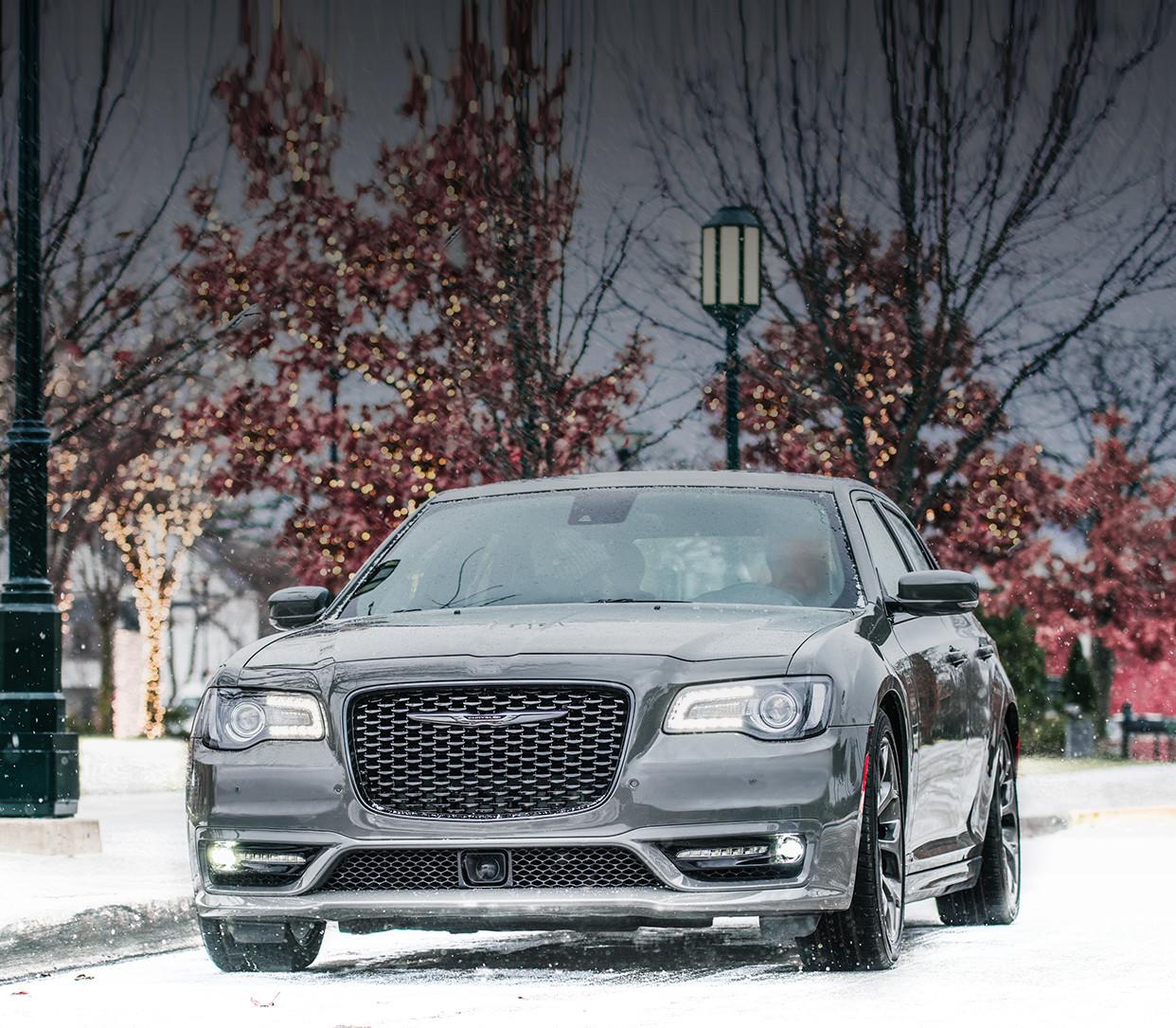 2019 Chrysler 300 Luxury Sedan