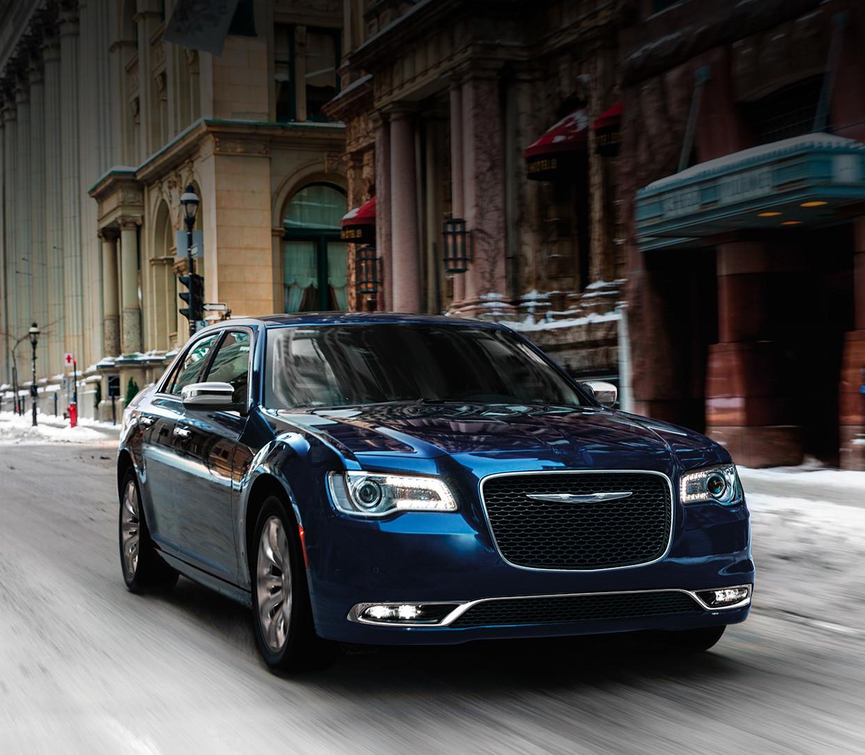 2020 Chrysler 300, Luxury Sedan | Chrysler Canada
