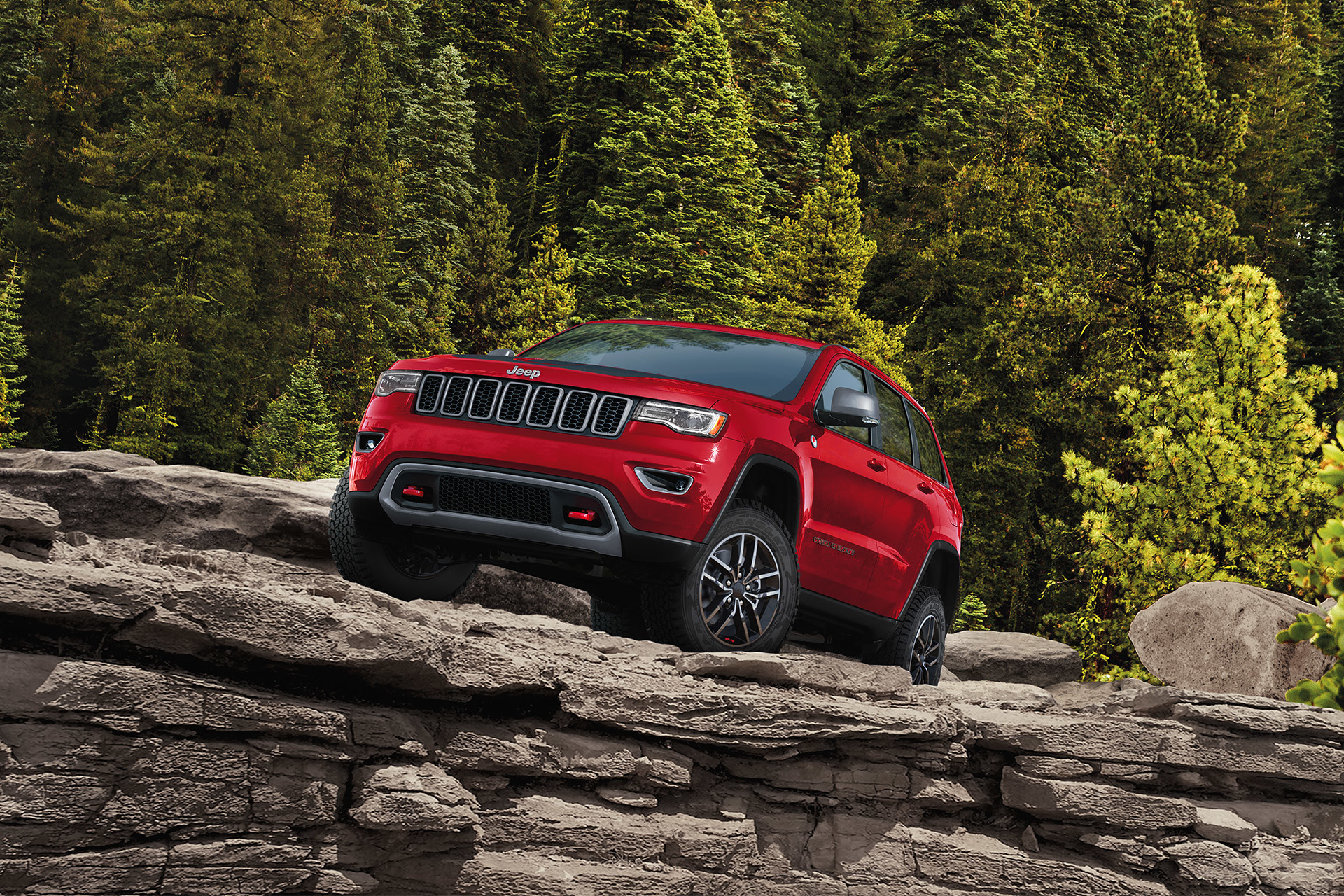 2020 jeep grand cherokee exterior gallery red parked top cliff wood 7ee968a4401a99882c2ea8366997a497